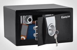 כספת עם נעילת מפתח 6 צלעות Sentry Safe X031
